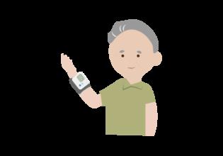 血圧測定する年配の男性